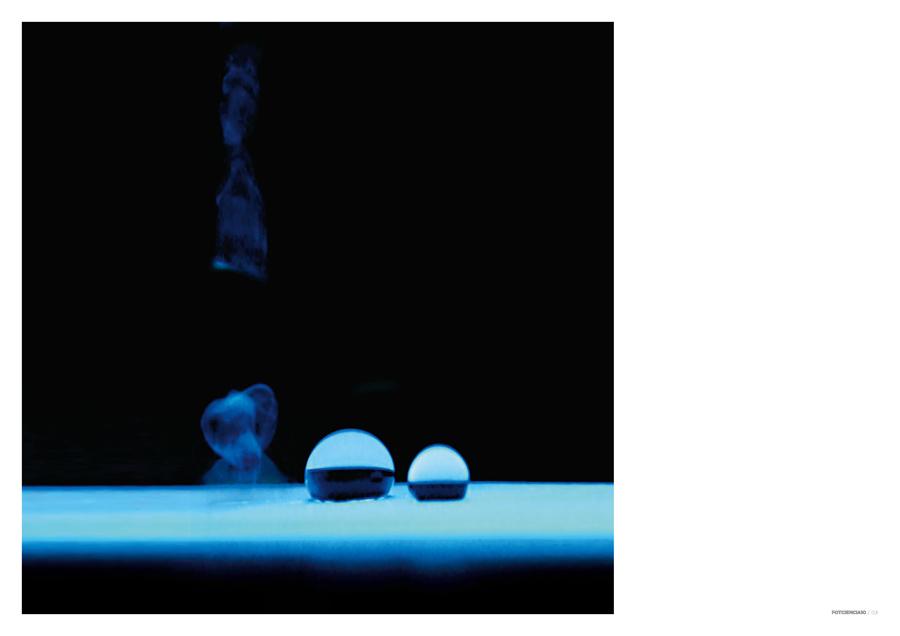 Celulosa superhidrófoba luminiscente